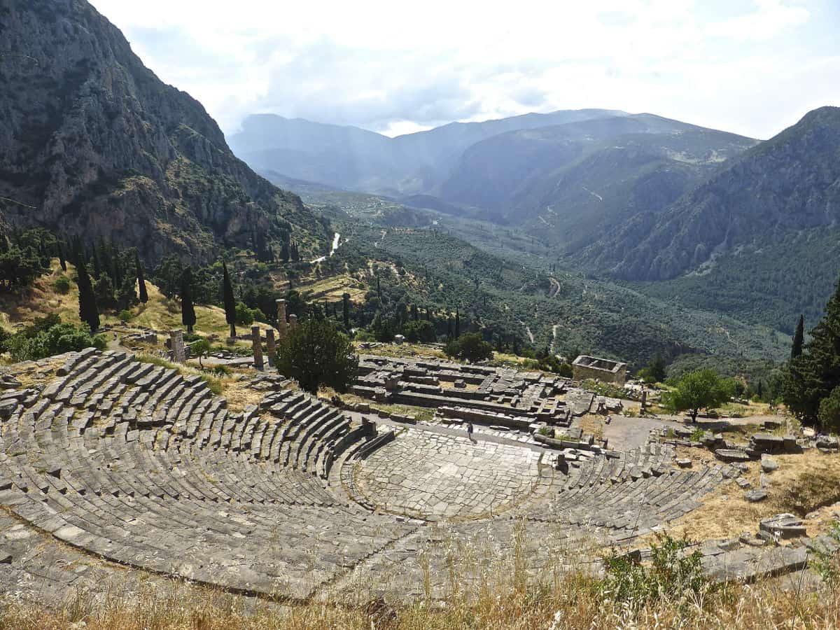 greek mainland highlights delphi 1